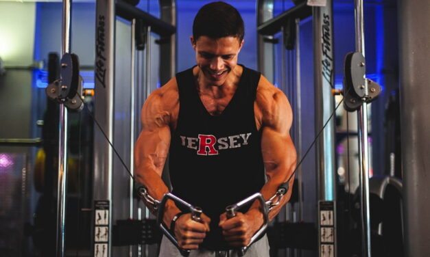 8 strategie utili per sviluppare i tuoi muscoli